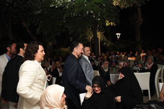 Adnan Oktar (Harun Yahya) at iftaar dinner along with his many readers who came to see him from all over Turkey. mashaAllah beautiful event, beautiful people.