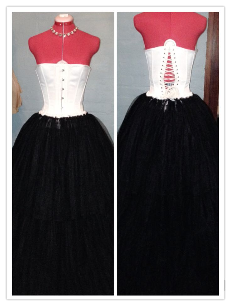 Corset and petticoat. Made to go under a ballgown, the petticoat consists of nearly 25 m of tulle, netting and horsehair.