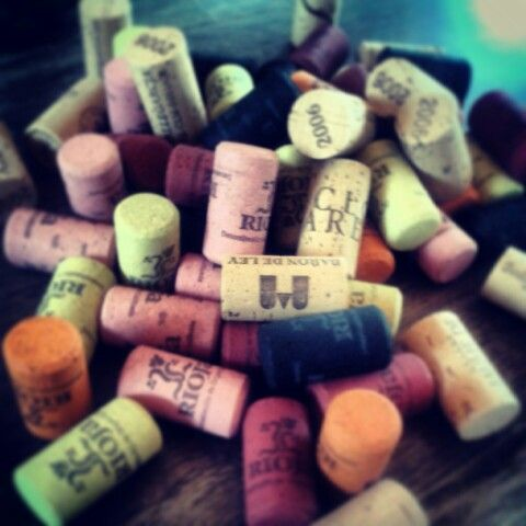 Wine culture: corchos de colores