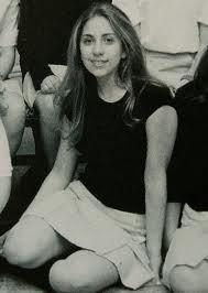 Stefani Joanne Angelina Germanotta, née le 28 mars 1986, à New York, aux États-Unis, plus connue sous son nom de scène Lady GaGa, est une auteure-compositrice-interprète américaine.