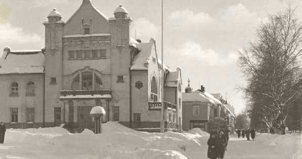 Elverum Town Hall before the bombing in 1940