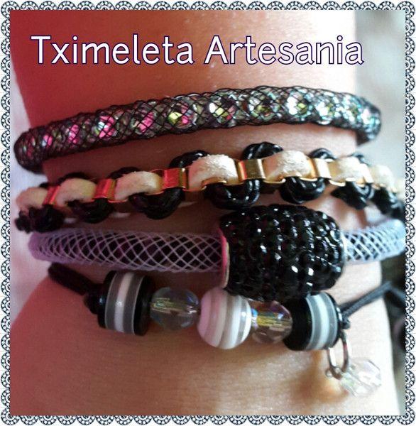 Lote de cuatro pulseras. de Tximeleta Artesanía por DaWanda.com
