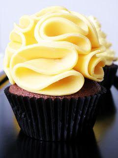 Recept vit modelleringschoklad. Modellering: Blommor i modelleringschoklad | Heavenly Cupcake