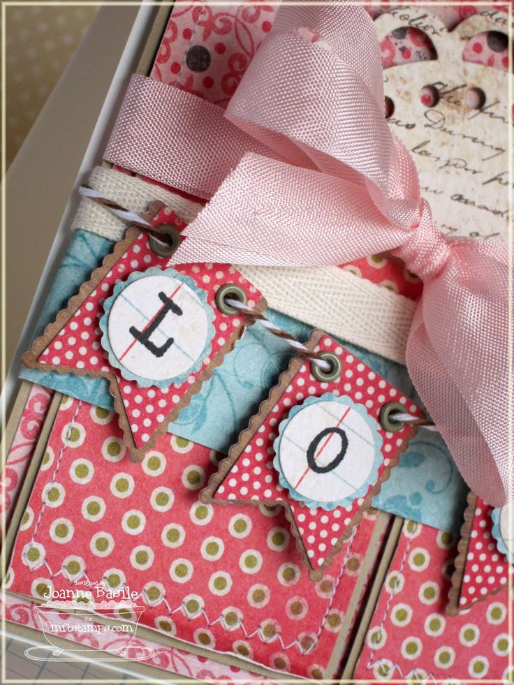 Love the look of the eyelets for the ribbon/twine to go through.