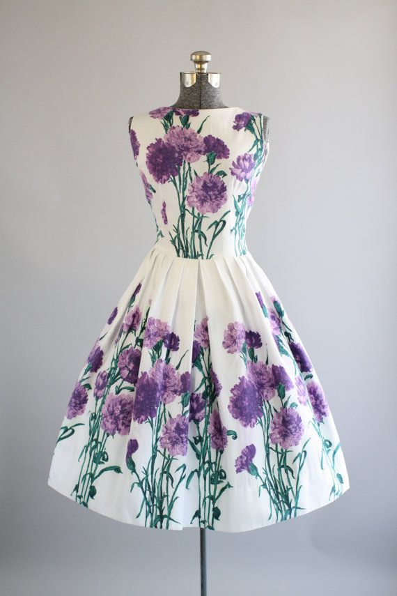 Vintage 1950s Dress / 50s Cotton Dress / Purple Floral Border Print Sun Dress S jαɢlαdy