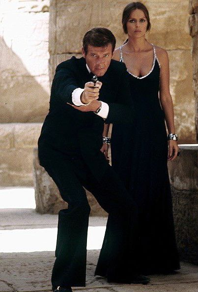 The Spy Who Loved Me (1977): Roger MOORE (James Bond) & Barbara Bach (Anya Amasova)