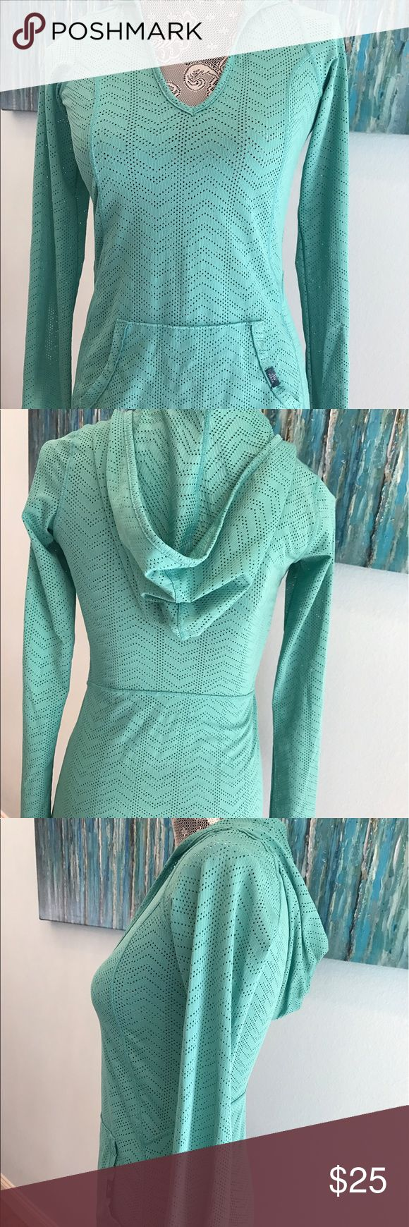 Prana Turquoise Mesh Hoodie 🇺🇸Sale Perfect for a workout ... venting with the mesh style fabric! Beautiful turquoise color! Flat pocket front adds cute character! Made in the USA 96% Polyester/ 4% Spandex Size XS Prana Tops Tees - Long Sleeve