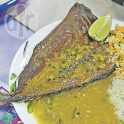 Cambira (peixe defumado) ao molho de maracujá com pirão de peixe @ allrecipes.com.br
