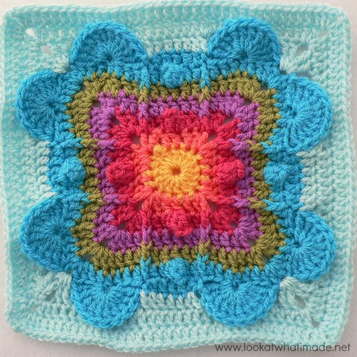 Never Ending Love Crochet Afghan Square by Aurora Suominen.  Photo tutorial by Lookwatwhatimade - Teresa Restegui http://www.pinterest.com/teretegui/ ✔