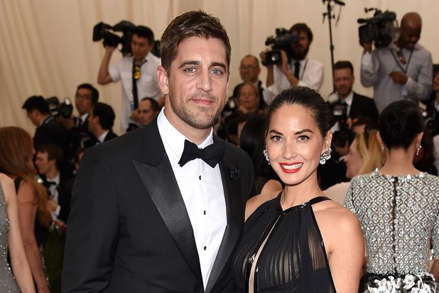 Some People Are Saying Olivia Munn and Aaron Rodgers Are Engaged