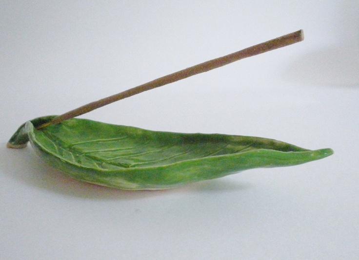 Green leaf insence holder. €8.00, via Etsy.