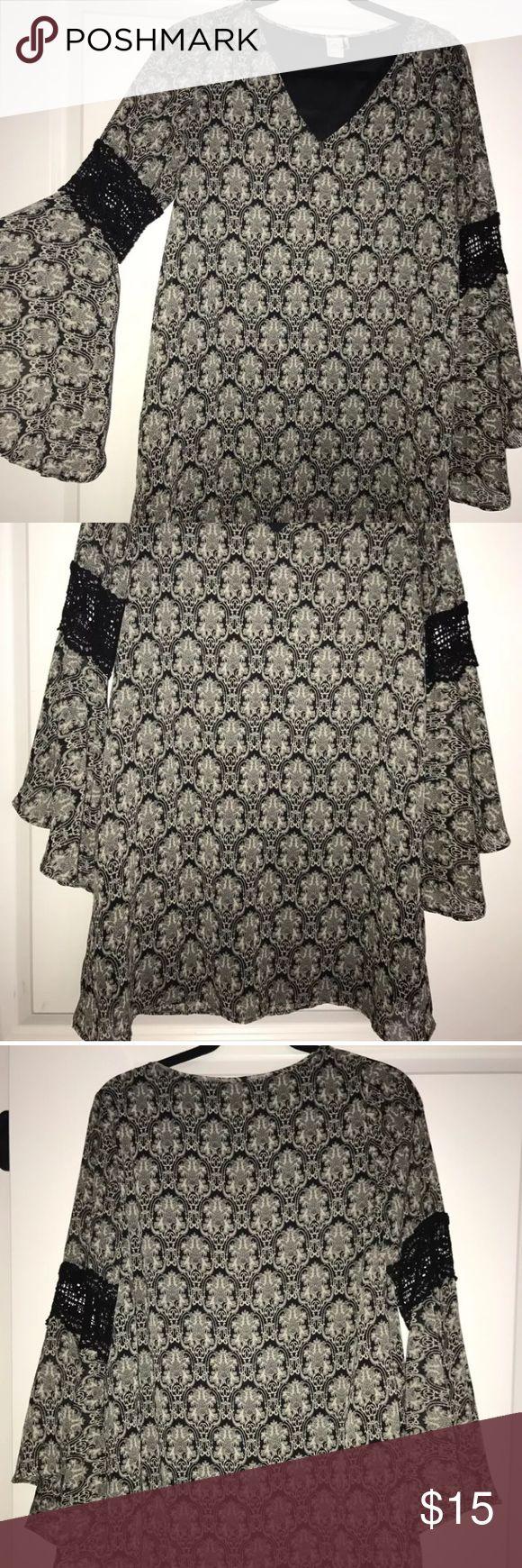 Womens casual dress Cute dress for any occasion! Great condition! Wore only once! Paper Crane Dresses