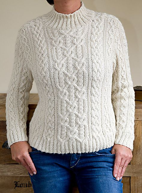 A great pattern for all fans of aran patterns. This sweater has cables over and over, was knitted with a wonderful baby alpaca yarn and has a beautiful saddle shoulder. It's a quite short sweater but of course it's up to you to adapt length at your option.