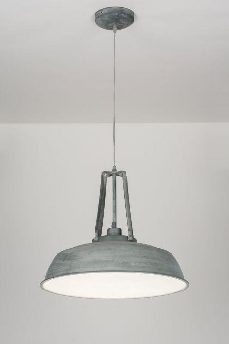 Artikel 72051 Industriële hanglamp in een zeer stijlvolle uitvoering. https://www.rietveldlicht.nl/artikel/hanglamp-72051-modern-landelijk-rustiek-retro-industrie-look-betongrijs-zink-metaal-rond