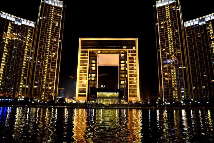 https://flic.kr/p/df68oL | Tianjin at night | Tianjin, China