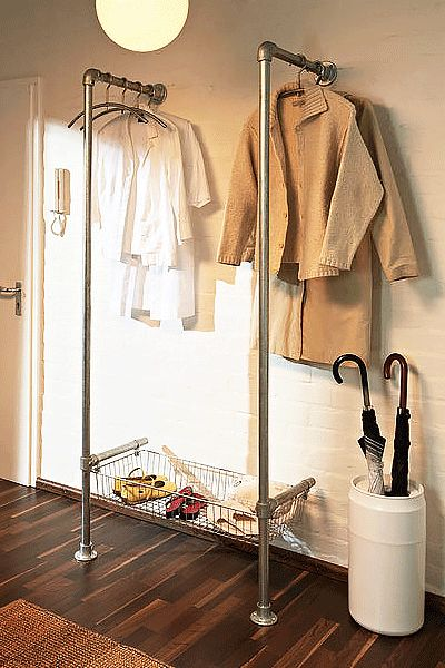 25 beste idee n over smalle gang decoratie op pinterest smalle ingang hal muur decor en - Ingang kast ...