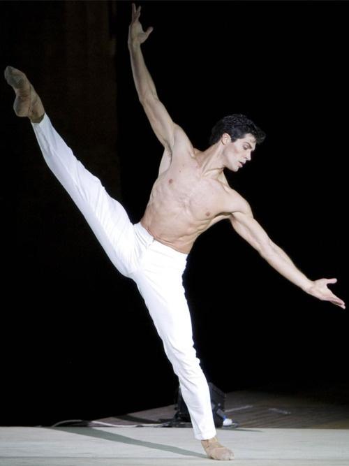 Roberto Bolle,  Corpo di Balletto del Teatro alla Scala, American Ballet Theatre