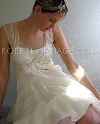 Robe du mariage en mousseline ornée de perles et de ruches [#ROBE202405] - robedumariage.com