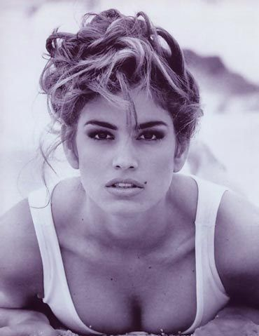 #1-Cindy Crawford, discovered at the age of 16, graduated valedictorian of her high school, entered college to pursue chemical engineering, but ended up dropping out to pursue her modeling career.