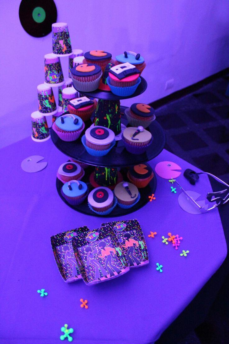 Cupcakes al estilo años 80's    😎 y fiesta disco