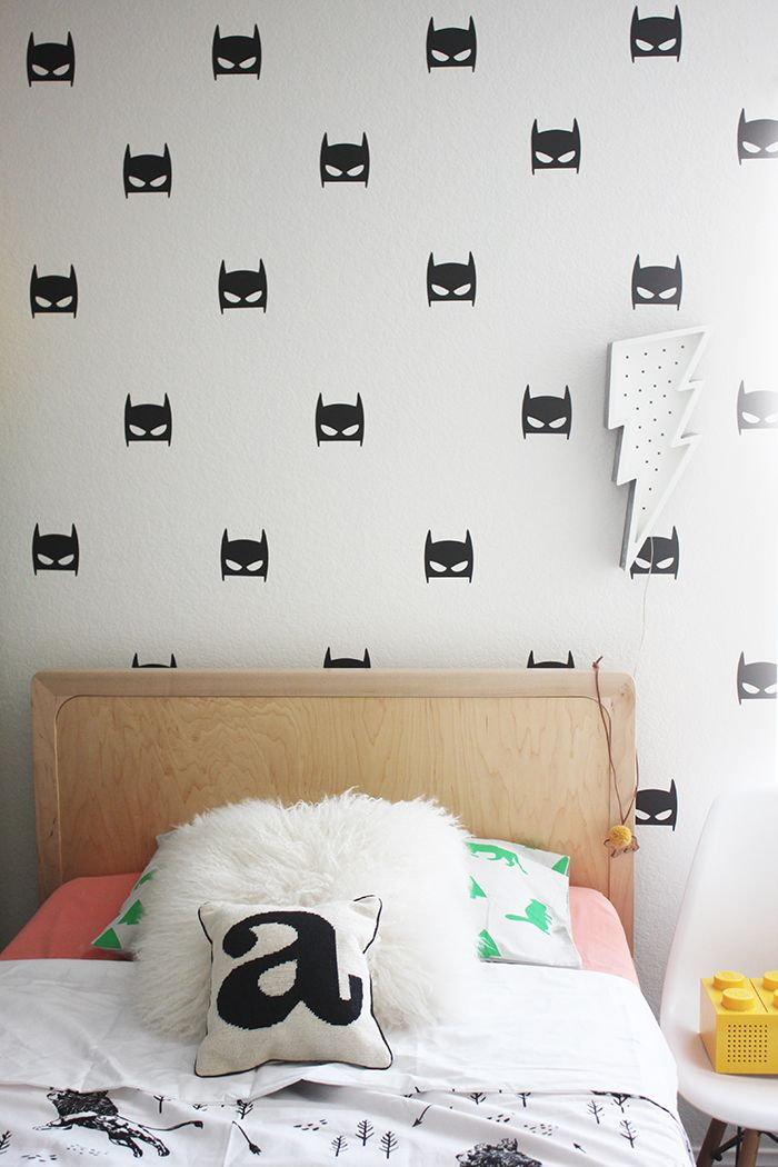 25 best ideas about batman room decor on pinterest for Kids batman room
