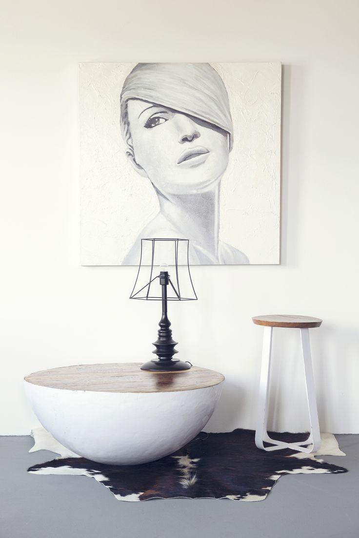 Stool Cross - white | Table Bowl small - white | Table lamp - black