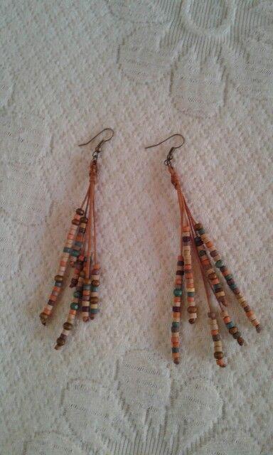 Σκουλαρίκια με ξυλινες χάντρες