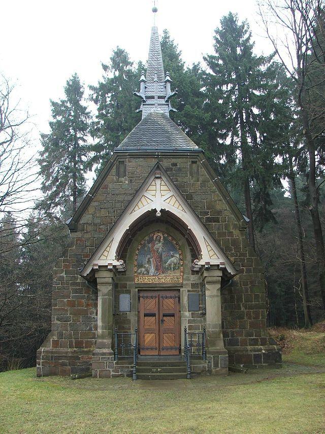 Sichtigvor Kreuzbergkapelle - Warstein – Wikimedia Commons