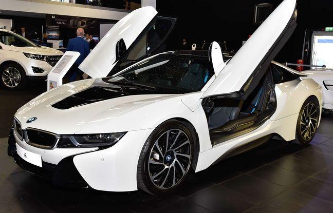 BMW dans la course. Le constructeur automobile allemand prévoit de mettre une flotte de test de 40 véhicules autonomes sur les routes d'ici le deuxième semestre 2017, dans le cadre de l'alliance qu'il avait annoncée cet été avec les groupes américain Intel et israélien Mobileye.