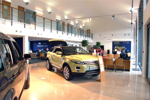 Caffyns Land Rover / Jaguar, Lewes.  A highly successful extension to the existing dealership, incorporating the latest brand requirements.