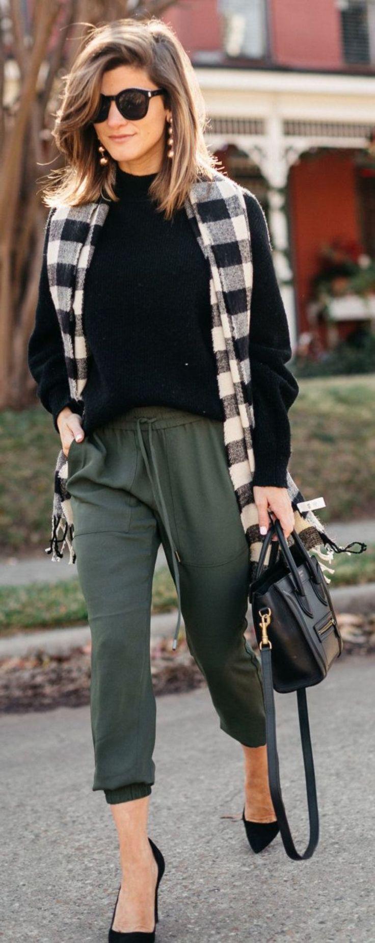 Kopieren Sie den Look von Emilia Clarke: 4 Styles, die Sie für raffinierte Outfits inspirieren und