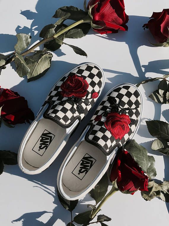 Checkered Slip On Vans Rose Embroidery