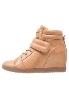 Zapatillas Altas color marrón