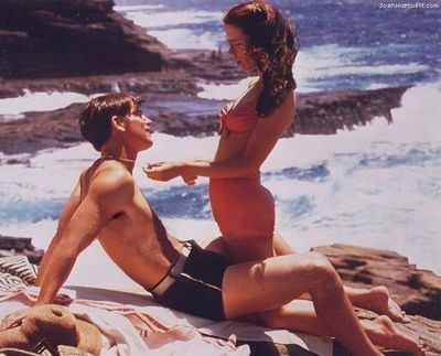 Josh Hartnett, Kate Beckinsale as Danny and Evelyn in Pearl Harbor. I ship it.