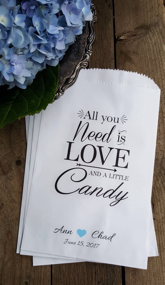 Wedding Favor Bags are perfect for your candy Buffet table ! I love these favors for your wedding day! Treat Bags Candy Buffet Bags by RootedManor