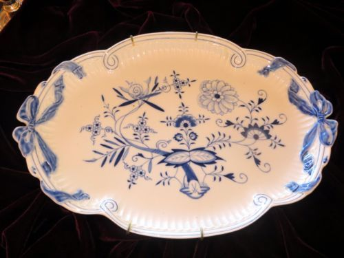 Lovely Meissen Blue Onion Platter with Ribbon Handles