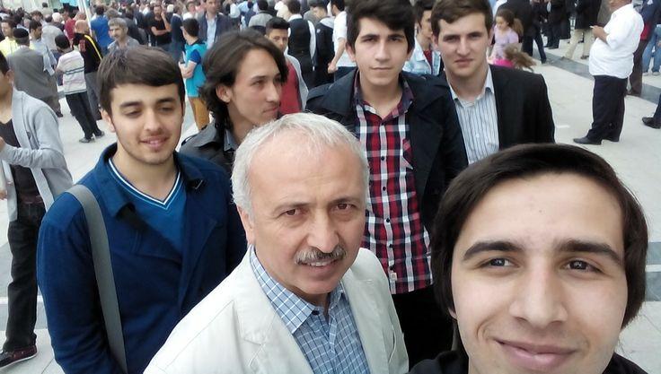 Sultangazi Gençlik Meclisi olarak Kent Konseyi baskanımız ile selfie :)