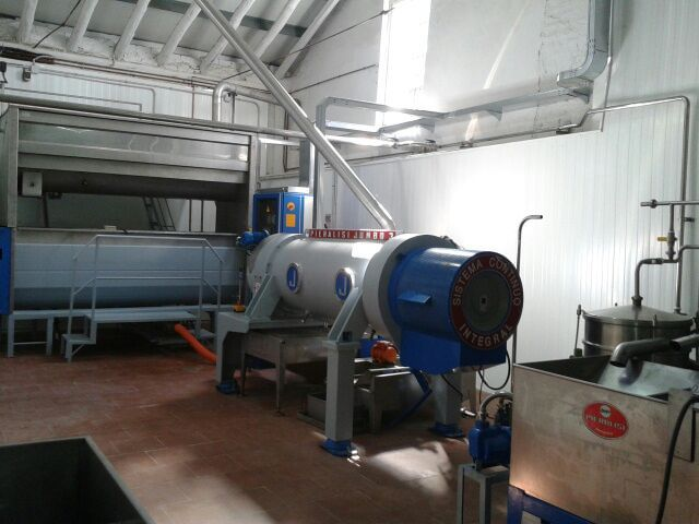 Centrifuge machine www.oleicolasanfrancisco.com