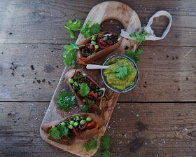 Vanløse blues.....: Bagte sweet potatoes med magisk grøn dressing & vegetarisk fyld
