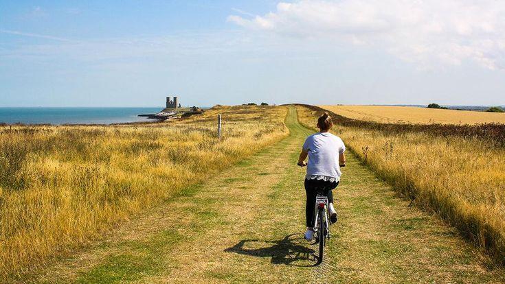 Visiter une ville ou une région à vélo est certainement une des façons les plus agréables de le faire. Voici 5 destinations à visiter en vélo de route.