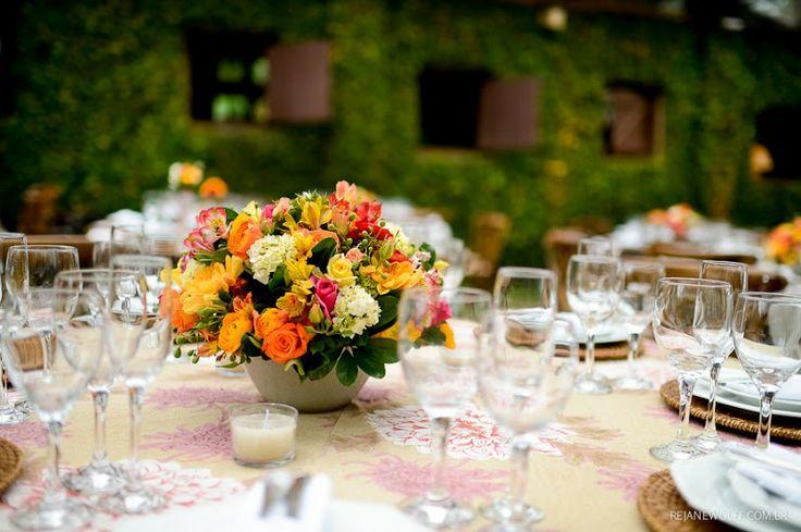 Decoração de casamento em tons de amarelo e laranja Foto Rejane