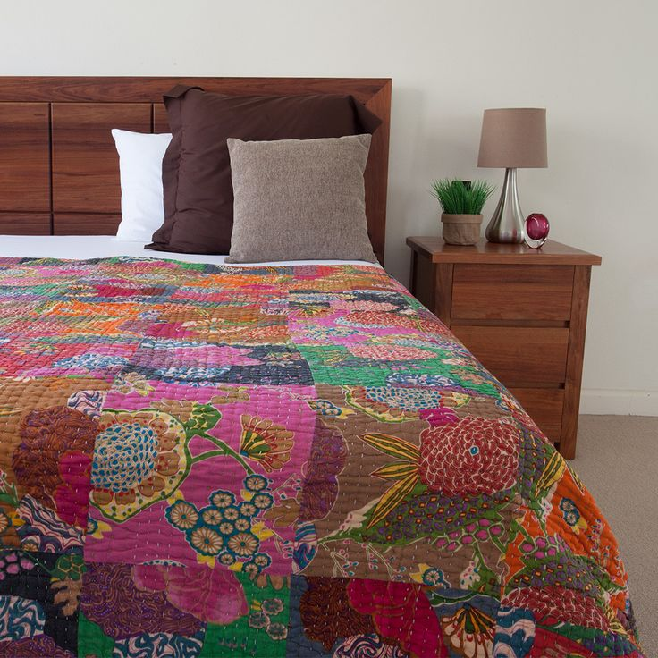 Patchwork Kantha Quilt / Bedspread | The Hues of India