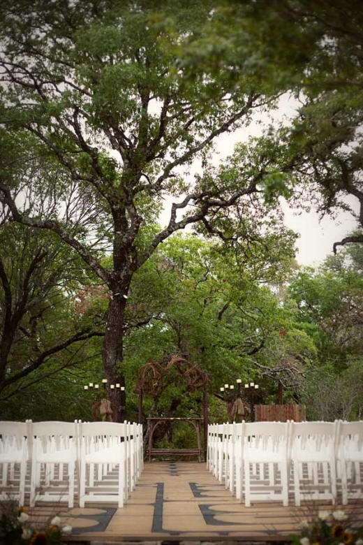 hill country wedding venue the tree at the red coral ranch in wimberly texas
