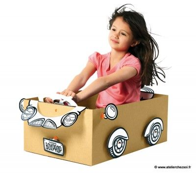 Fabrique une voiture de course avec les Box Props Makedo - Activité créative enfants sélectionnée par L'Atelier Chez Soi