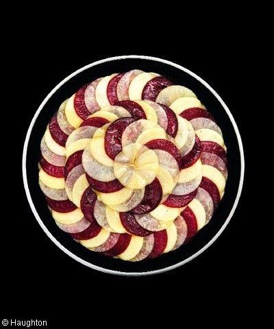 Gratin de pommes de terre, betterave et comté pour 6 personnes - Recettes Elle à Table - Elle à Table