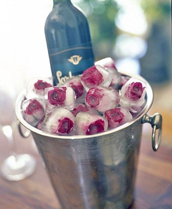 These rose ice cubes are just awesome! Makes chilling wine so pretty... You can use different rose colours to match your party theme.