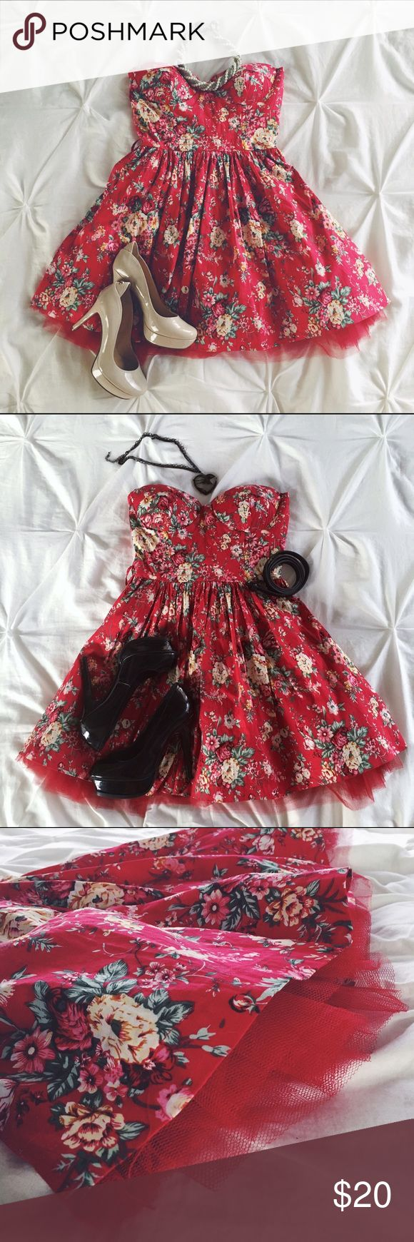 Betsey Johnson Look Red Floral Dress Red Floral Dress with sweetheart heart bodice and peek of tulle underskirt can be accessorized different ways. (Not included) Makes a cute Christmas or Valentine's dress. Not Betsey Johnson, just has the look. Black shoes and heart necklace for sale in separate listing. Betsey Johnson Dresses Strapless