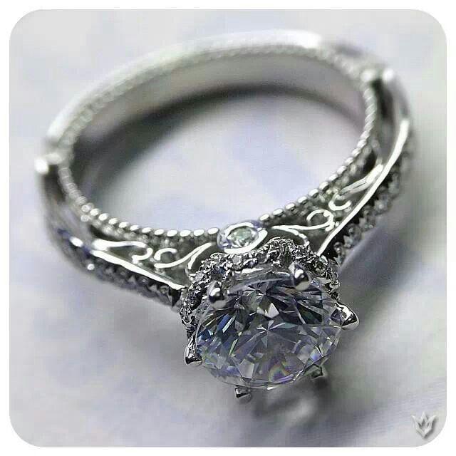 http://www.verragio.com/Verragio-Engagement-Rings/Venetian-Engagement-Rings/VENETIAN-5052