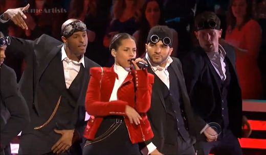 Alicia Keys live @ People's Choice Awards  http://www.emonden.co/alicia-keys-live-peoples-choice-awards
