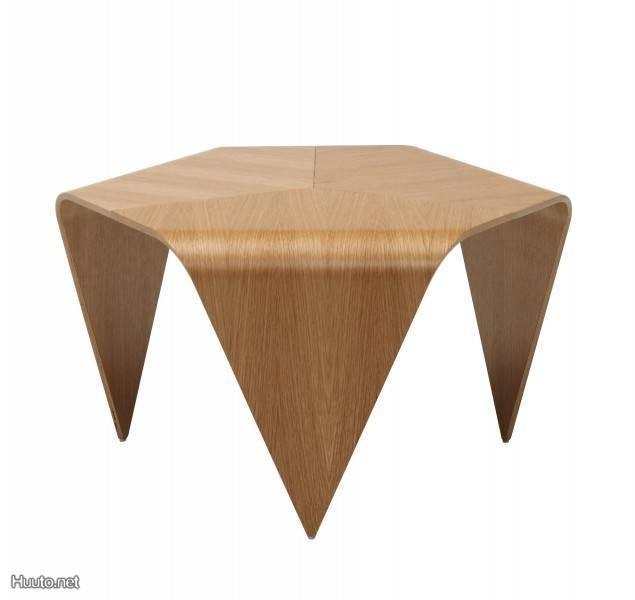 Ilmari Tapiovaaran Trienna-pöytä / Trienna table designed by Ilmari Tapiovaara